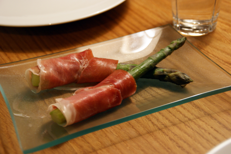 Asparagus with Serrano Ham and Parmesan cheese